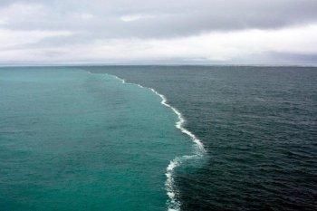 Two oceans meeting near Cape Leeuwin